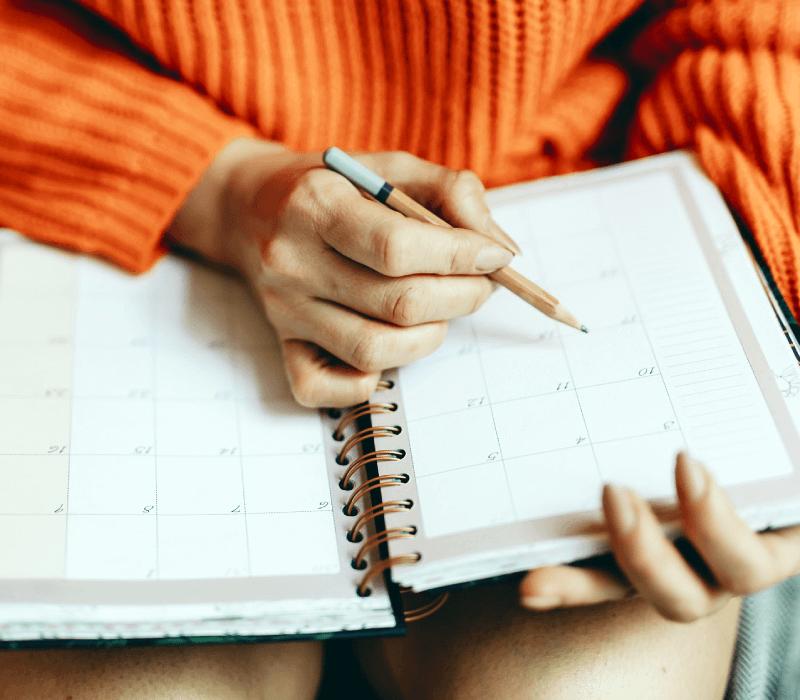 Jak przygotować się do egzaminu First w 6 etapach w rok